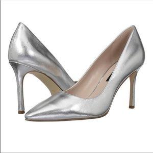 Nine West Silver Metallic Pointed Heels